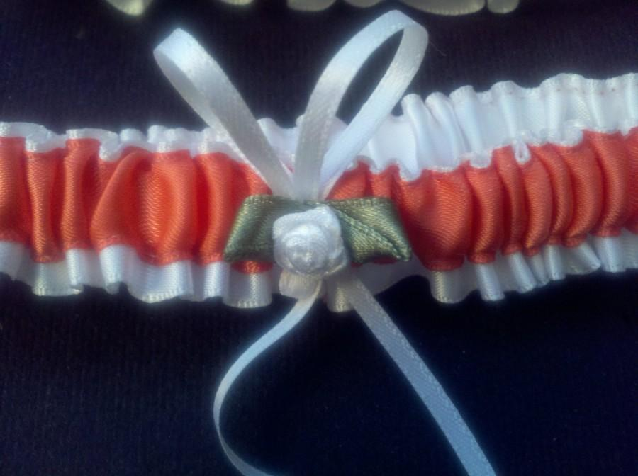 Свадьба - Wedding Garter Set Red Coral White Satin Flower Moss Green Gray  Bridal Shower Ready to Ship