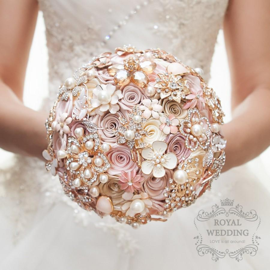 Mariage - Wedding Brooch Bouquet Wedding Bouquet Bridal Bouquet Broach Bouquet Rose Gold Bouquet Bridesmaid Bouquet Ivory Bouquet Champagne Bouquet