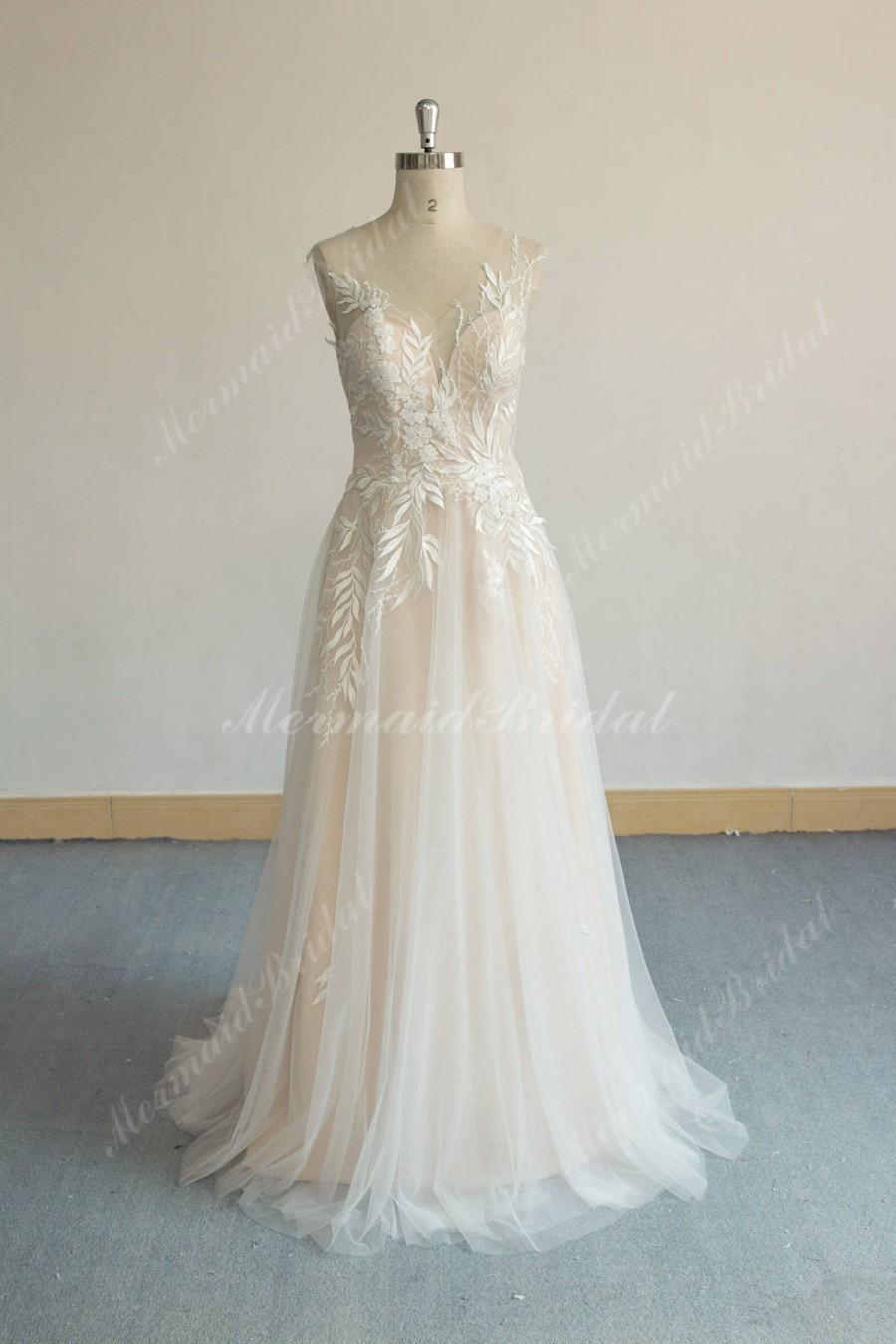 Hochzeit - Unique Aline Tulle Lace Wedding Dress, Elegant Vintage Boho Wedding Dress with Sweethear Neckline and Blush Lining