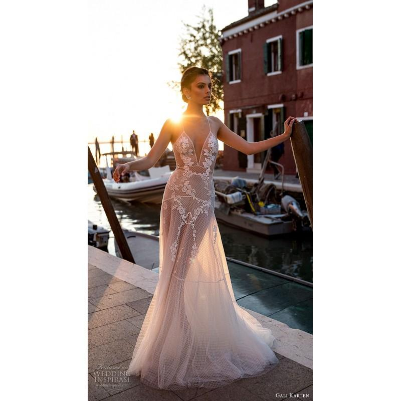 Wedding - Gali Karten 2018 Sexy Appliques Sweep Train Tulle Nude Trumpet Sleeveless Halter Beach Dress For Bride - HyperDress.com