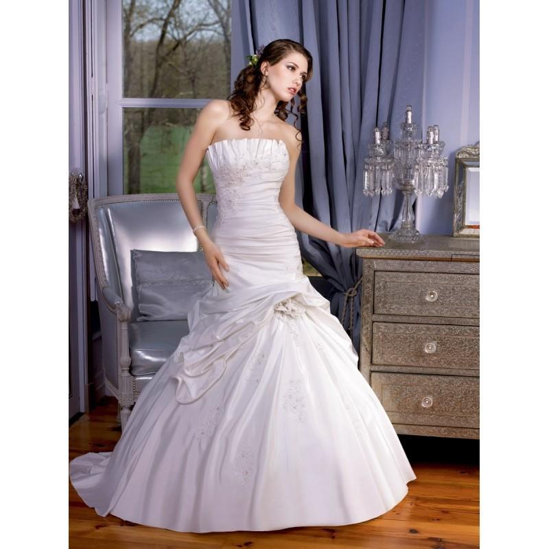 زفاف - Miss Kelly, 131-47 - Superbes robes de mariée pas cher