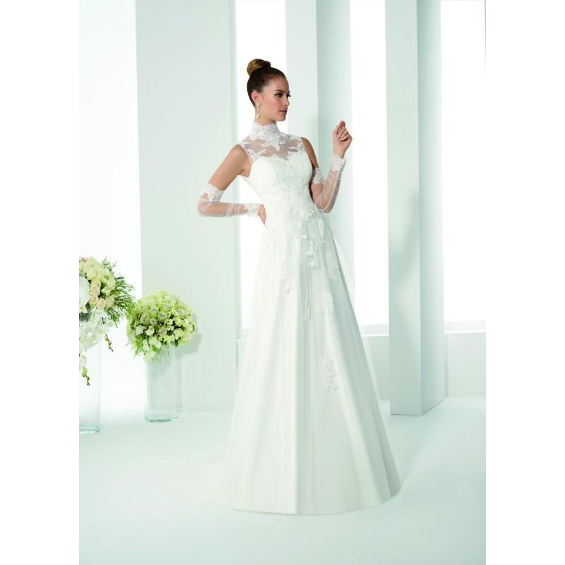 Mariage - Robes de mariée Just For You 2017 - 175-25 - Superbe magasin de mariage pas cher