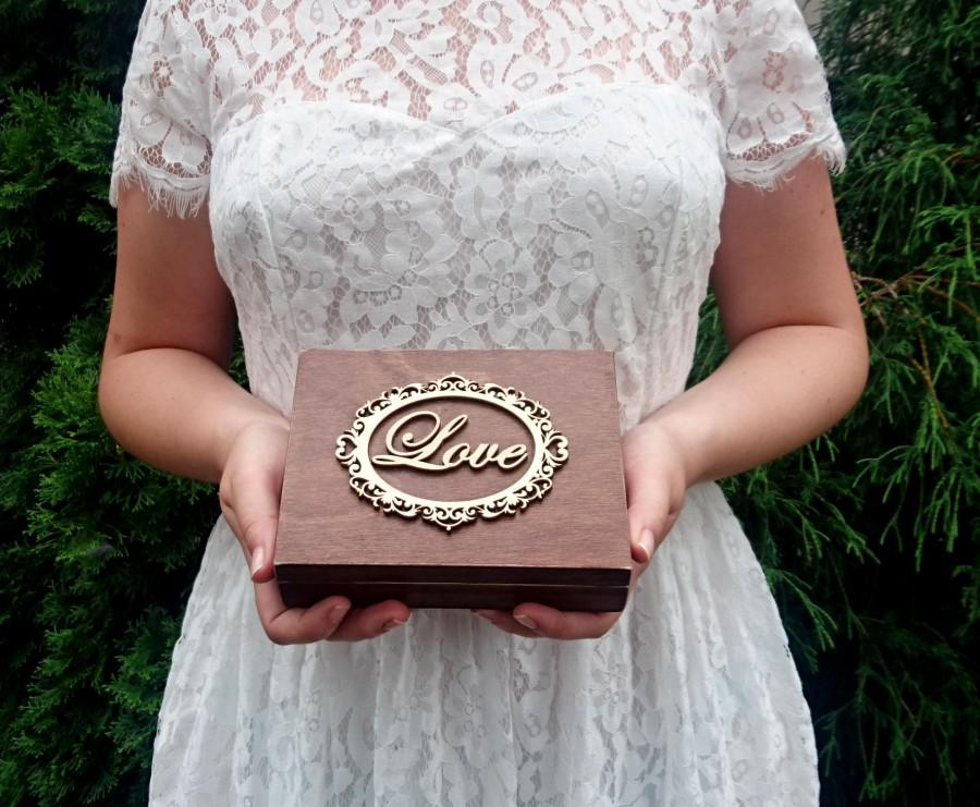 Mariage - Personalized wedding rings box vintage frame love rustic woodland looking old moss sola flowers shabby chic brown hearts distressed - $33.00 USD