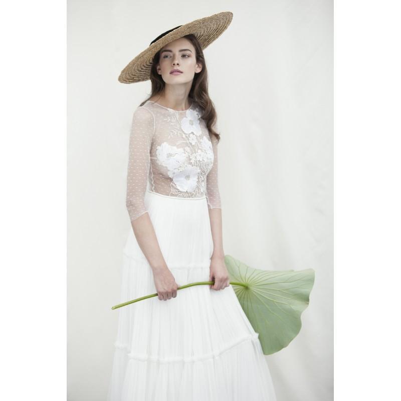 Hochzeit - Divine Atelier 2018 Ambra Illusion Aline Sweet 3/4 Sleeves Sweep Train White Silk Embroidery Dress For Bride - Fantastic Wedding Dresses