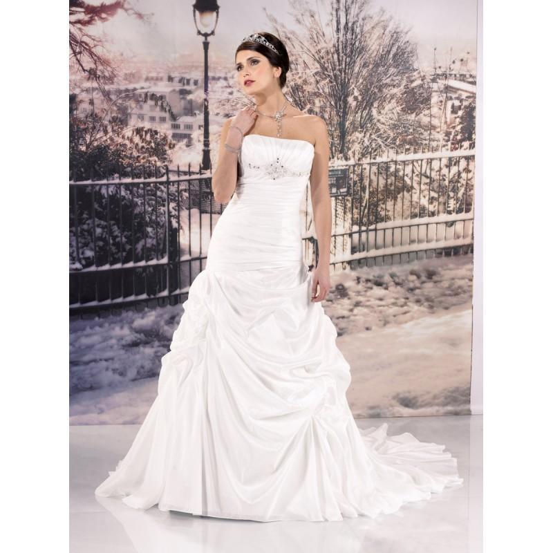 Wedding - Miss Paris, 133-35 ivoire - Superbes robes de mariée pas cher