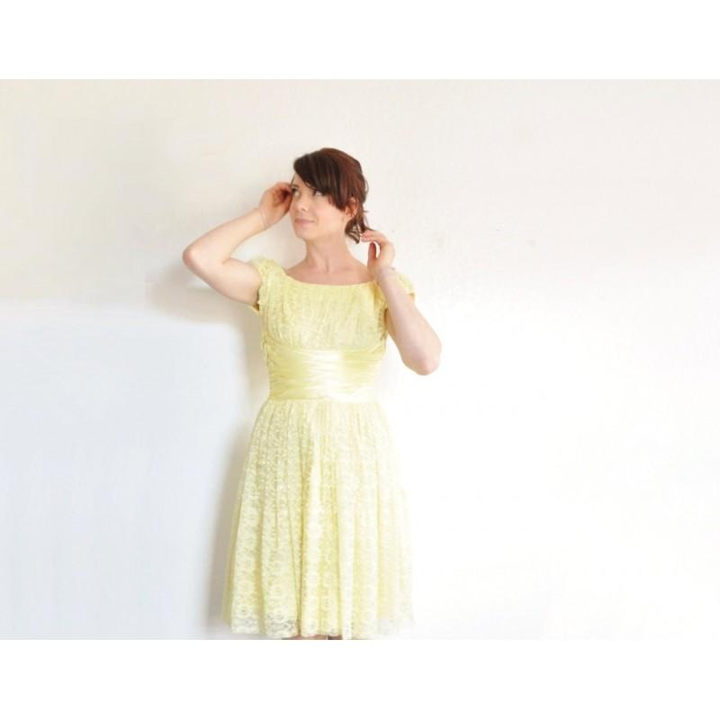 Wedding - yellow lace 1950 prom dress . satin waist . cap sleeves .extra small.xs .sale - Hand-made Beautiful Dresses