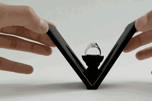 Свадьба - This Nifty Engagement Ring Box Could Change Proposals Forever