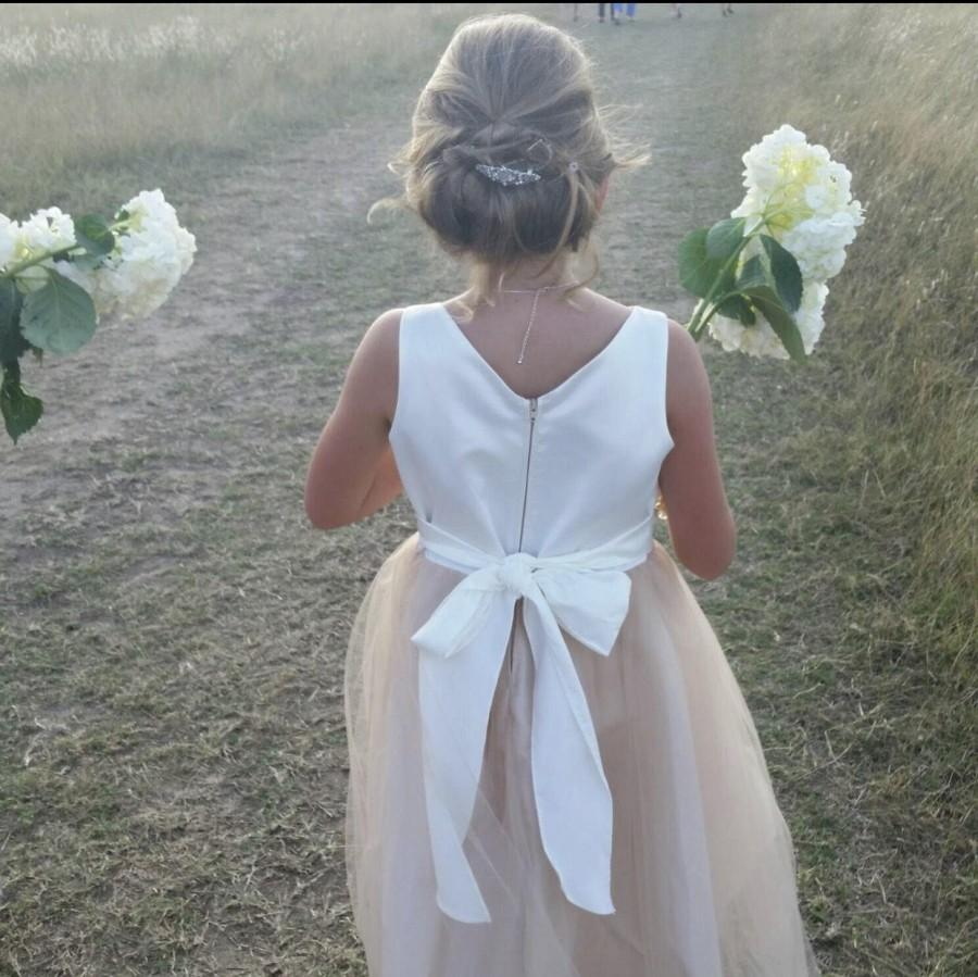 Mariage - Elegant Satin and Tulle Flower Girl Dress