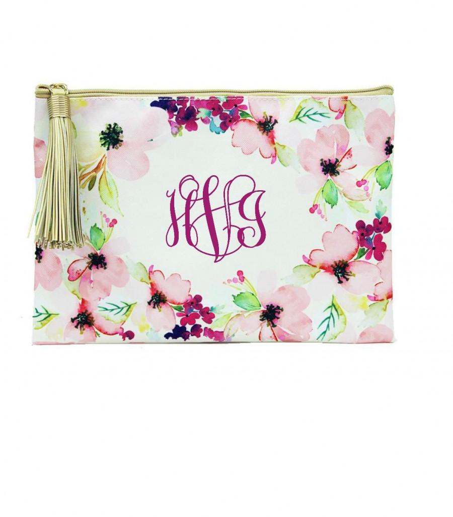 Mariage - Monogram Cosmetic bag, Floral,  Bridemaids gift,  Bacherlorette favors, Makeup bag, favor bag, bridal party gift, bride gift