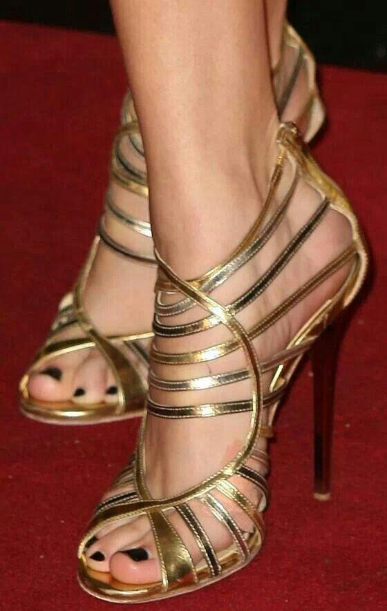 Hochzeit - Clothes & Shoes...... And Purses!
