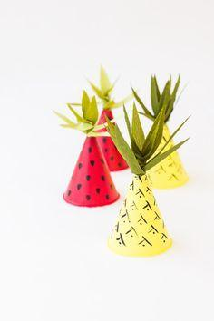 Hochzeit - DIY Fruit-Inspired Mini Party Hats