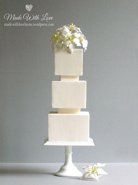Свадьба - Lilies And Lines Cake