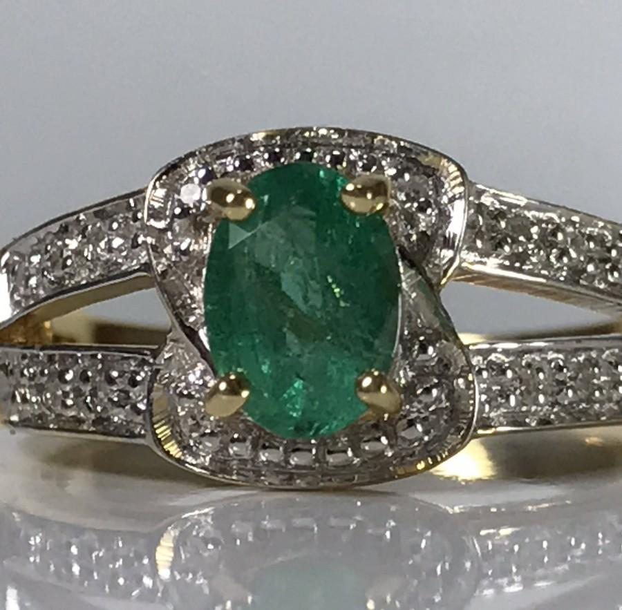 Mariage - Vintage Emerald Engagement Ring. Diamond Accents. 18K Gold. Unique Estate Engagement Ring. May Birthstone. 20th Anniversary. Appraised.
