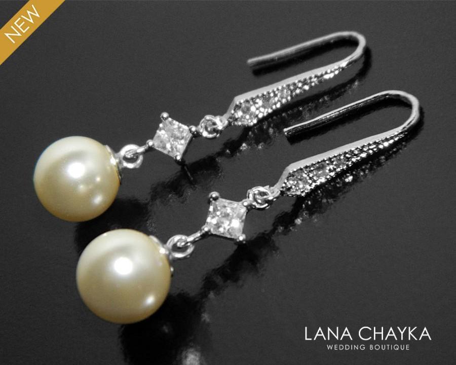 زفاف - Pearl Bridal Earrings, Swarovski 8mm Ivory Pearl Earrings, Bridesmaids Pearl Earrings, Pearl Silver Dangle Earrings, Wedding Pearl Jewelry - $24.90 USD