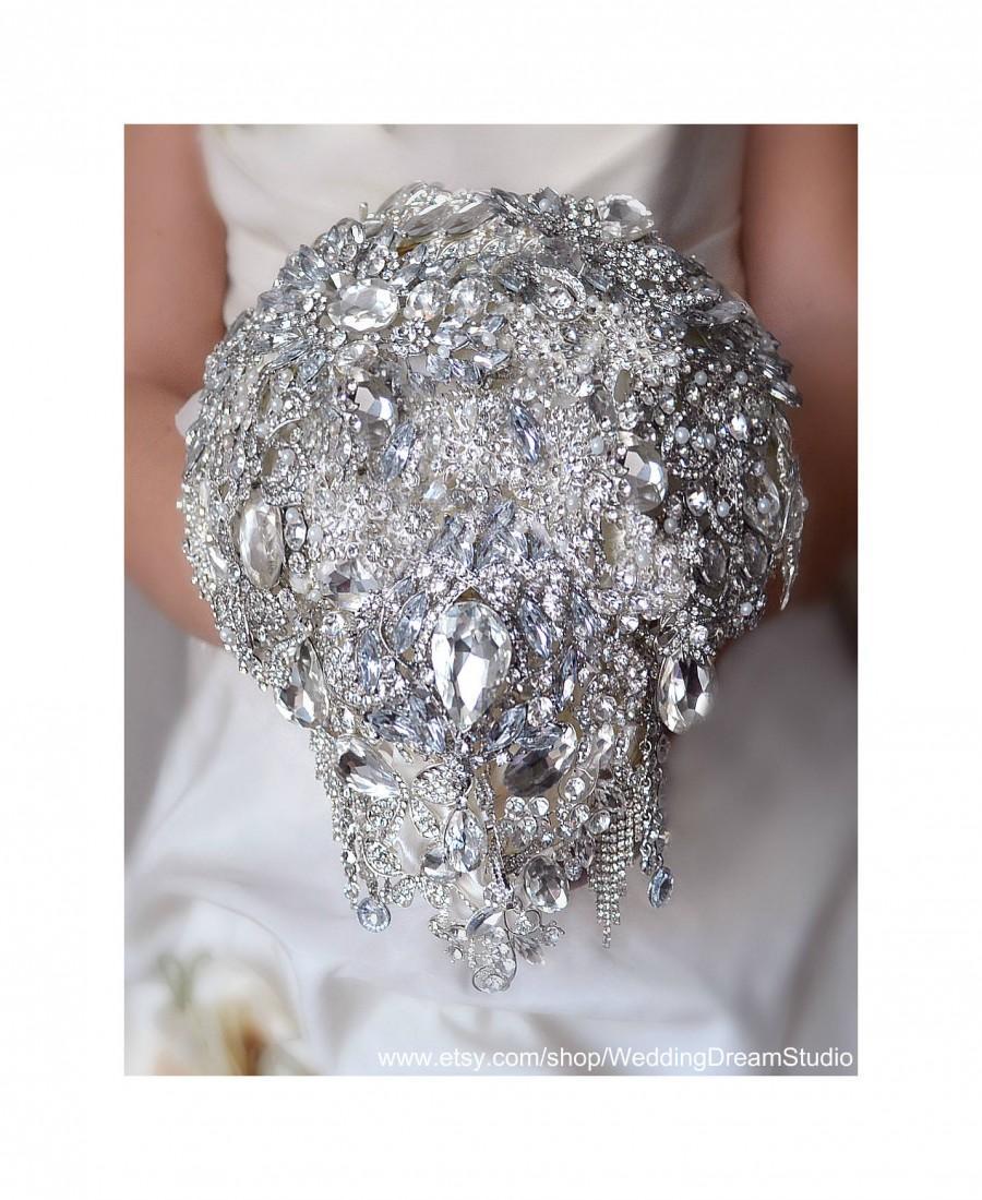 Свадьба - Bridal Bouquet Silver Brooch Bouquet Cascading Bouquet Crystal Bouquet Wedding Jewelry Wedding Dress Wedding Ring Silver Rhinestone Bouquet