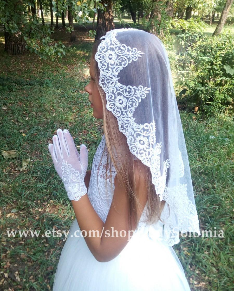 Mariage - First Communion Veil + Gloves, White Communion Accessory, Mantilla Communion, First Communion Gloves, Gloves with lace,  Little girls gloves