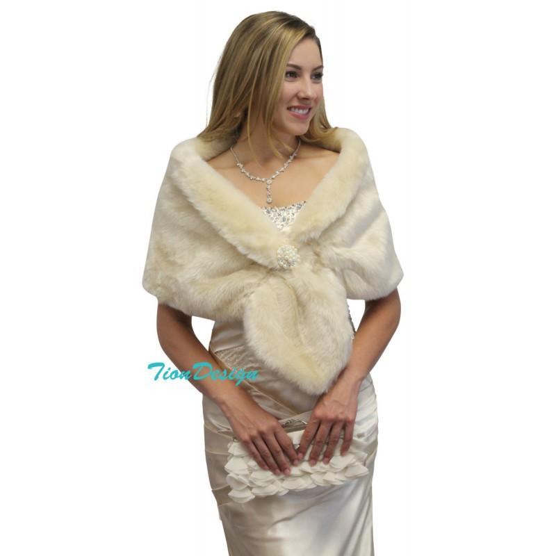 زفاف - Bridal wrap, bridal stole, Champagne faux fur stole fur shrug bridal fur wrap fur shawl, faux fur cape for wedding - Hand-made Beautiful Dresses