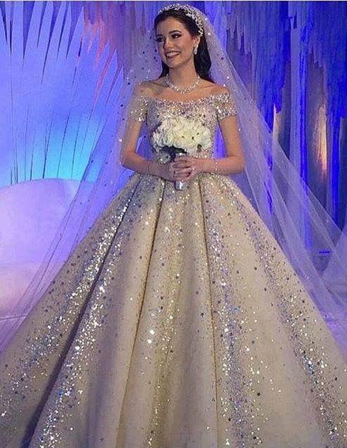 زفاف - A Wedding Dress