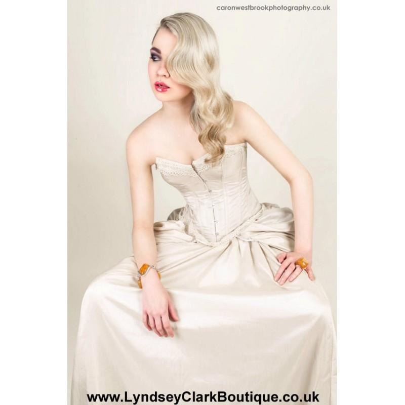 زفاف - Steampunk Victorian corset wedding dress / prom with bustle MADE TO ORDER/ measure - Hand-made Beautiful Dresses