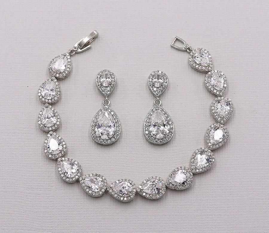 Hochzeit - Teardrop Earrings Set, Wedding Bracelet Set, Earrings Bracelet Set, Bridal Jewelry, Jewelry for Bride, Halo Bracelet, Kensley Bracelet Set