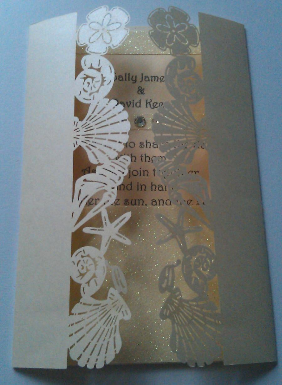 "زفاف - Laser Cut Shells Beach Wedding Invitation ""Bali"" with Glitter Inner Pocket"