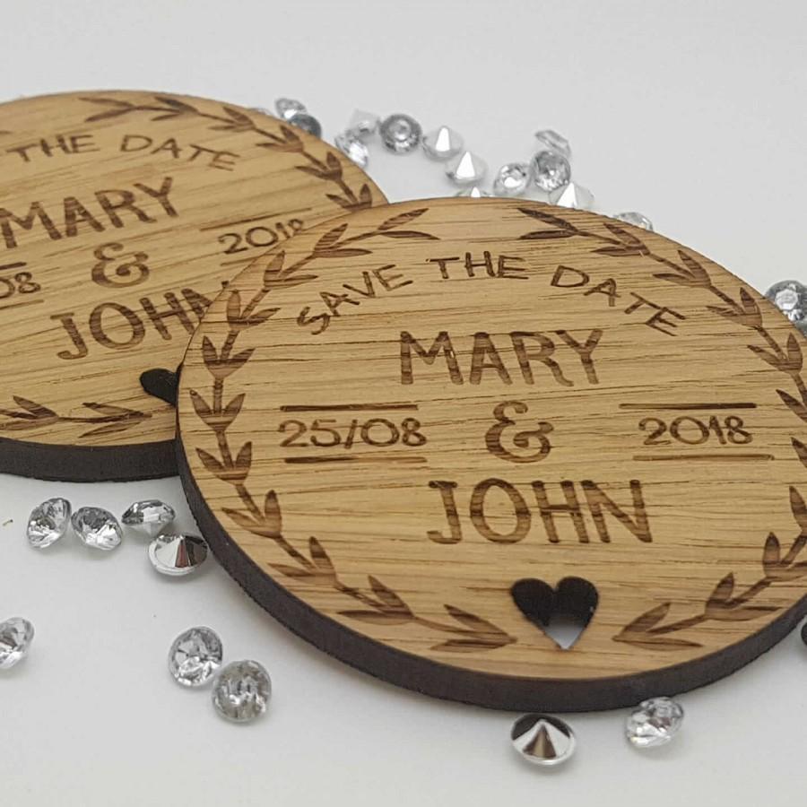 زفاف - Personalised Engraved Rustic Wooden Round Save The Date Fridge Magnets Invites