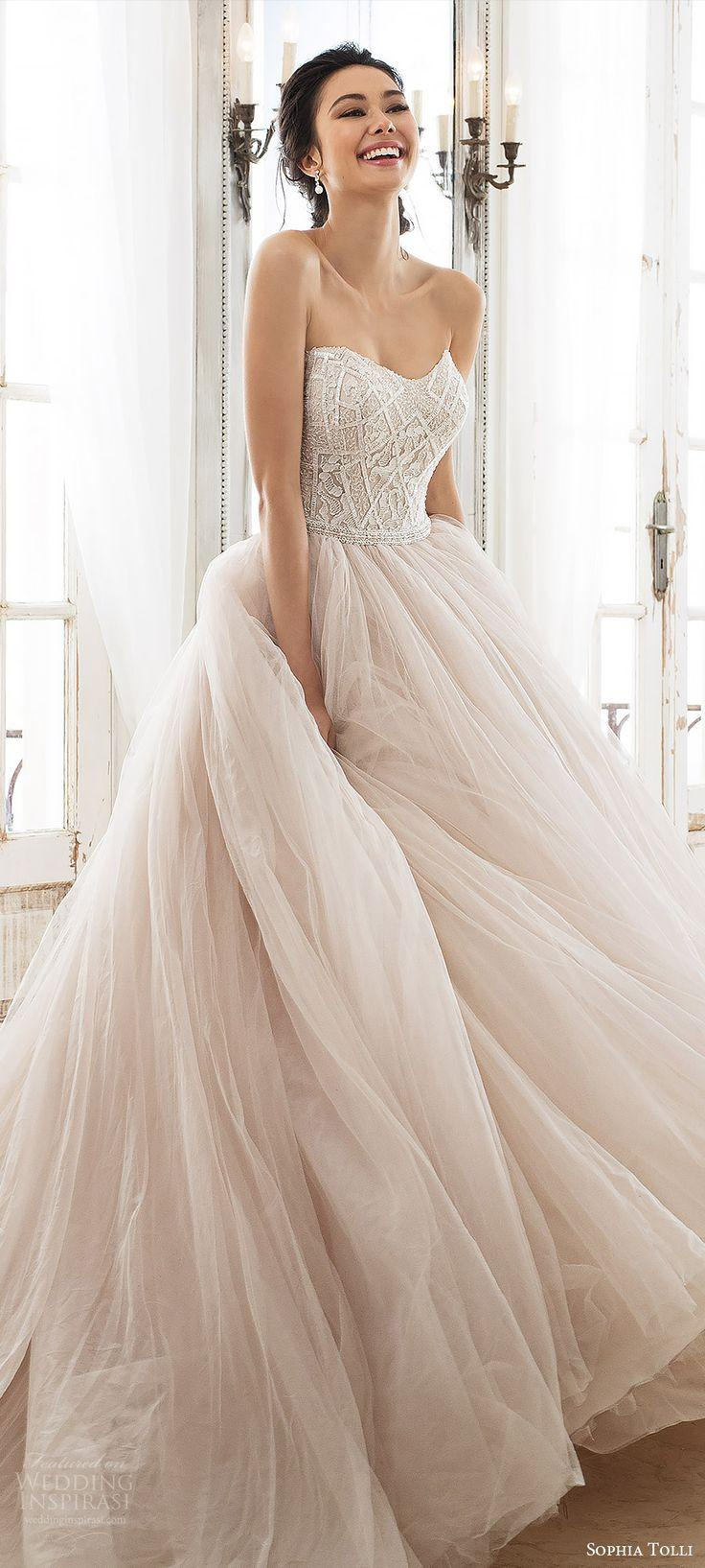 Hochzeit - 2018 Wedding Dress Trends To Love Part 1 — Silhouettes And Sleeves