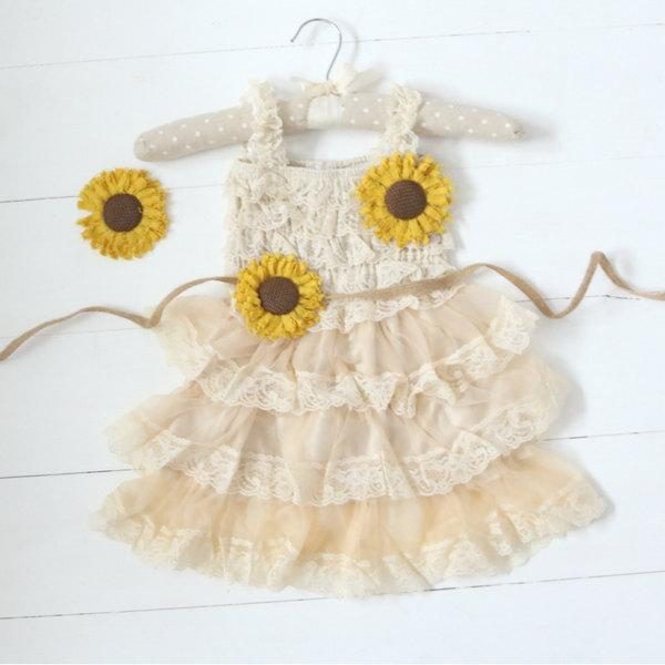 Mariage - Sunflower Flower Girl Dresses, Country Flower Girl Dress, Burlap Flower Girl Dress, Flower Girl Dress, Rustic Wedding, Girls Dresses