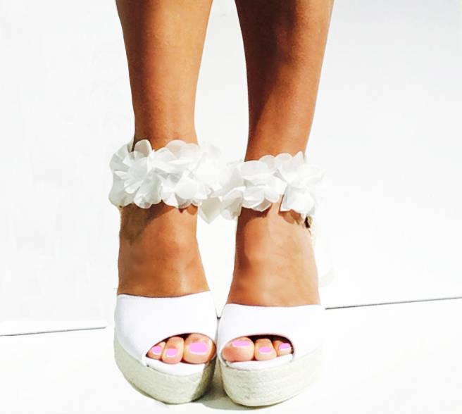 Свадьба - BOHOLUXE Peep Toe Platform Wedge Lace Up Espadrille Boho style Wedding Ibizencas bridal shoes Wedding shoes Custom shoes