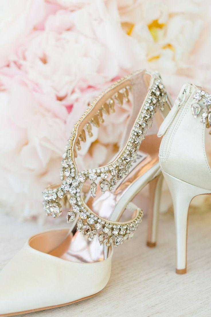 Hochzeit - Wedding Shoes Inspiration - Photo: Dana Cubbage Weddings