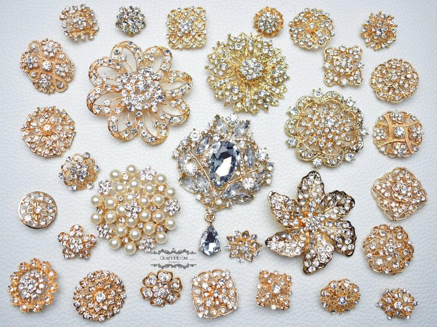 Hochzeit - 30 Gold Rhinestone Brooch Lot Assorted Wedding Bouquet Brooch Pearl Crystal Wholesale Mixed Button Pin Bridal Cake Sash Embellishment DIY