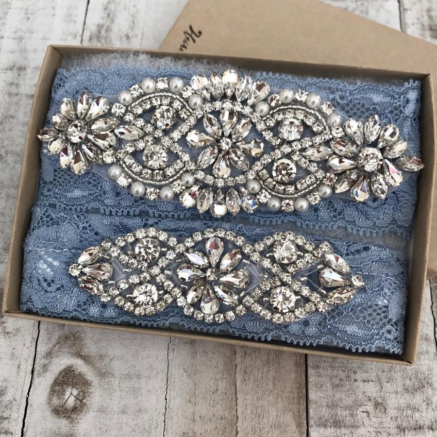 Свадьба - Wedding Garter, NO SLIP Lace Wedding Garter Set, bridal garter set, vintage rhinestones, pearl and rhinestone garter set