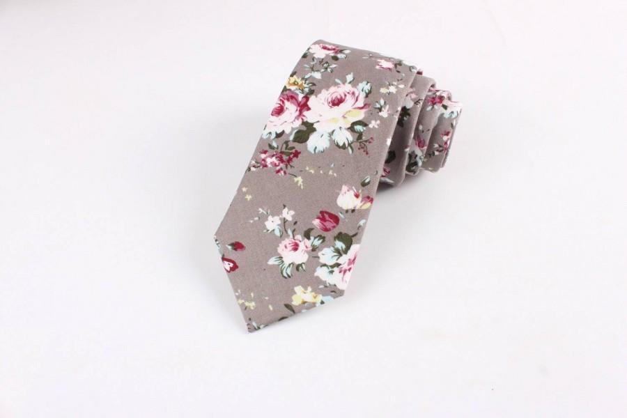 "Свадьба - Taupe (Gray) Floral Skinny Tie 2.36"""