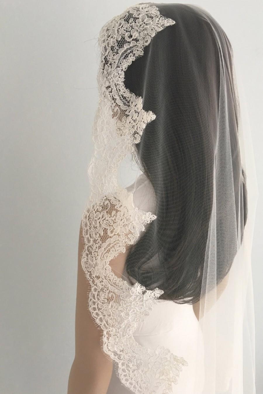Wedding - Mantilla lace wedding veil, Mantilla Wedding Veil, Mantilla bridal veil, Spanish veil, Mantilla veil