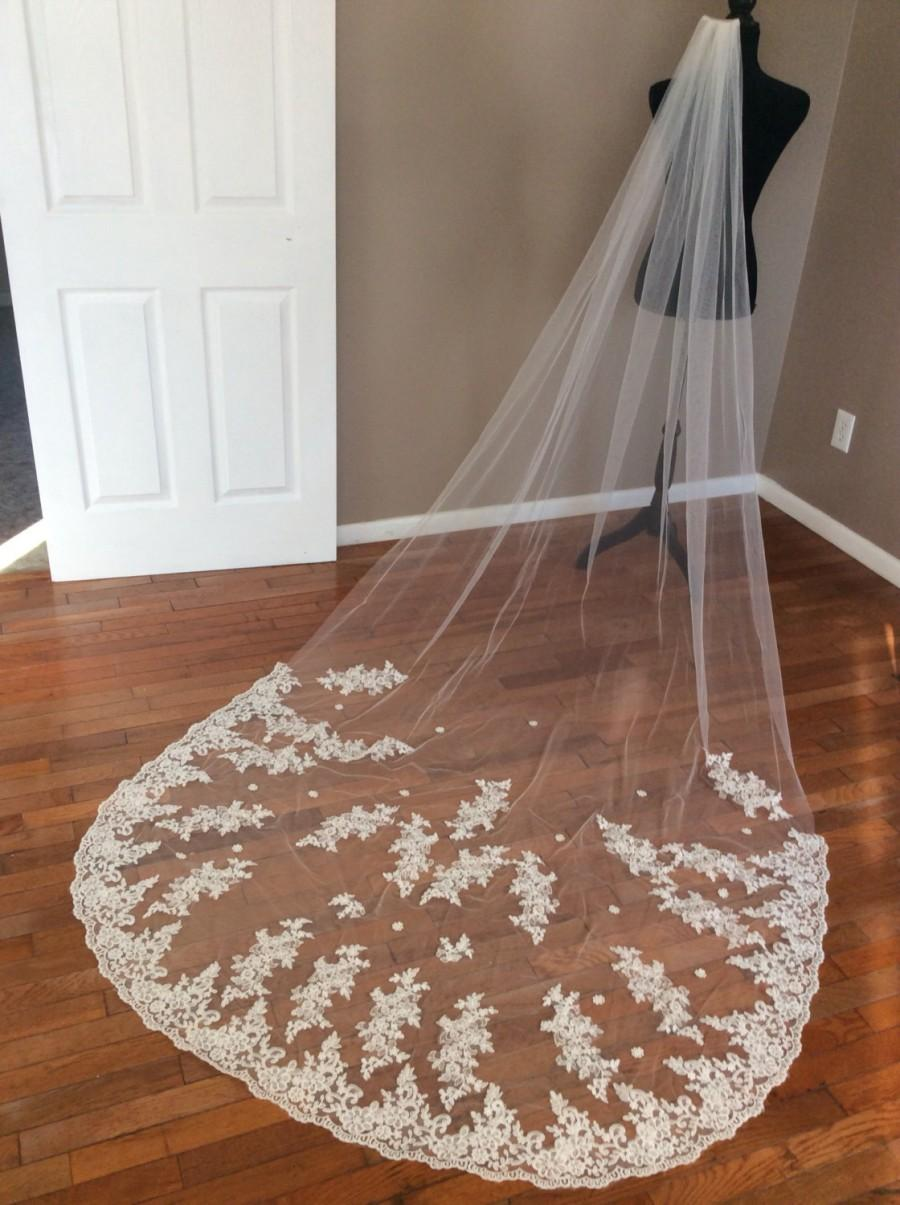 Mariage - High quality lace veil. Color white, ivory, champagne