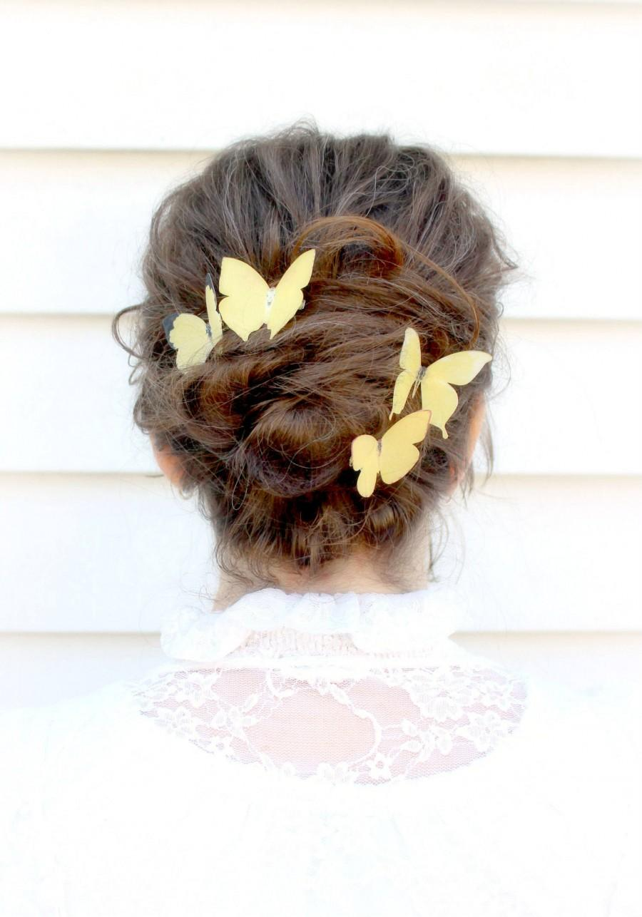 Mariage - 4 silk butterfly hair clips . your choice of butterflies . gifts for birthday, wedding, bridesmaids, parties, everyday . costume . handmade