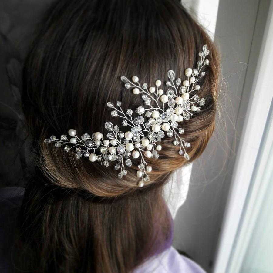 Hochzeit - Bridal hair piece Wedding hair vine Bridal hair brooch Winter garland Wedding hair accessory Babys breath headpiece Pearl hair comb Headband