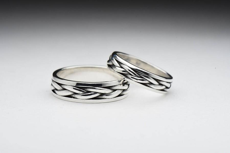 Mariage - Wedding Celtic paired silver Rings, Bands Knot men women, Engagement Rings, vintage jewelry, solid sterling silver, Valentine's day