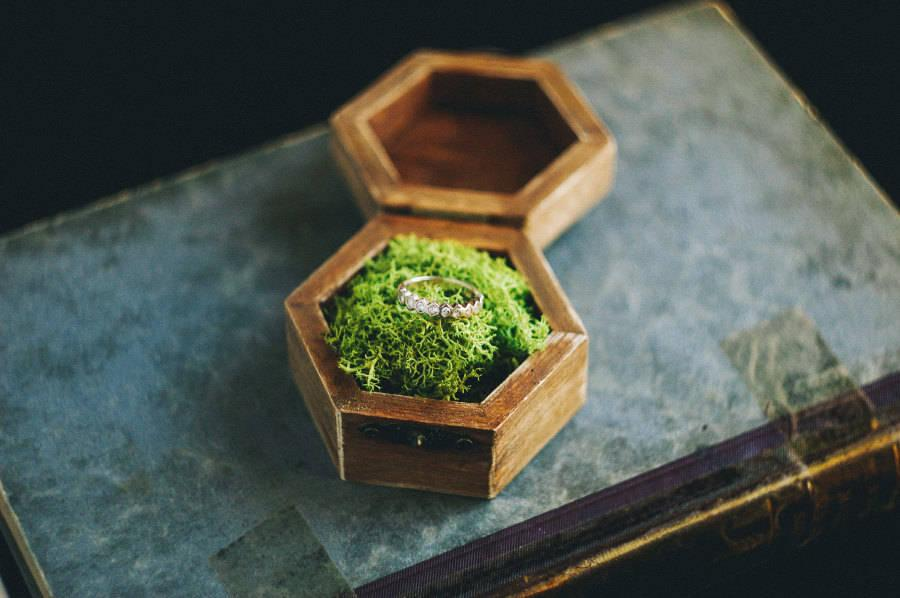 Mariage - Wedding Ring Box, Ring Bearer Box, Ring Box, Rustic Ring Box, Geometric Ring Bearer, Ring Holder, Box With Moss, Custom Box, Vintage Rose