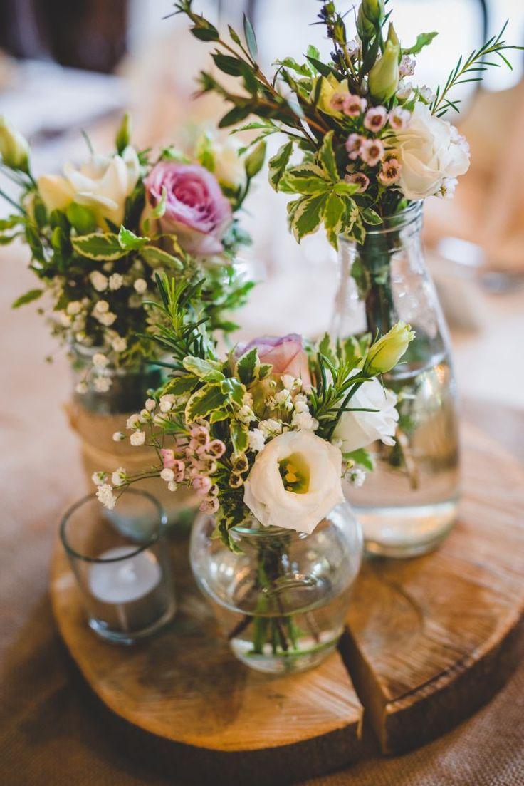 Mariage - Gold Sequin Outdoor Humanist Botanical Gardens Wedding