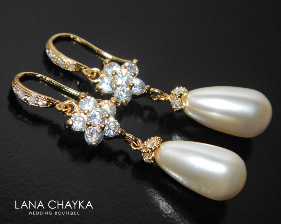 Mariage - Pearl Gold Bridal Earrings, Swarovski Ivory Teardrop Pearl Earrings, Pearl Chandelier Wedding Earrings, Pearl Cubic Zirconia Dangle Earrings - $31.90 USD