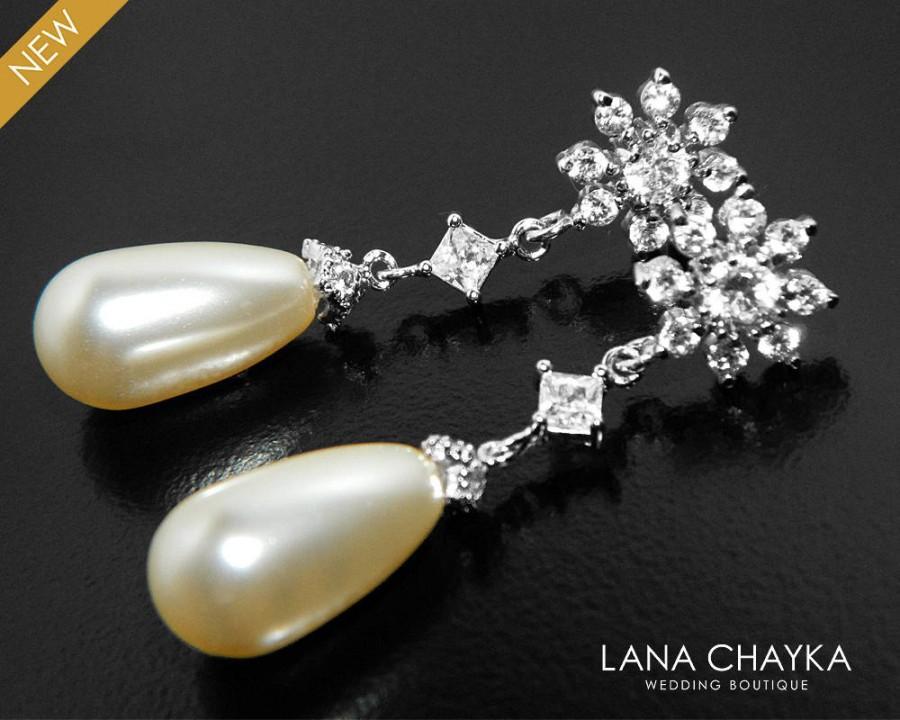 Mariage - Teardrop Pearl CZ Bridal Earrings, Swarovski Ivory Cream Pearl Silver Earrings, Pearl Bridal Earrings, Wedding Pearl Chandelier, Weddings - $28.50 USD