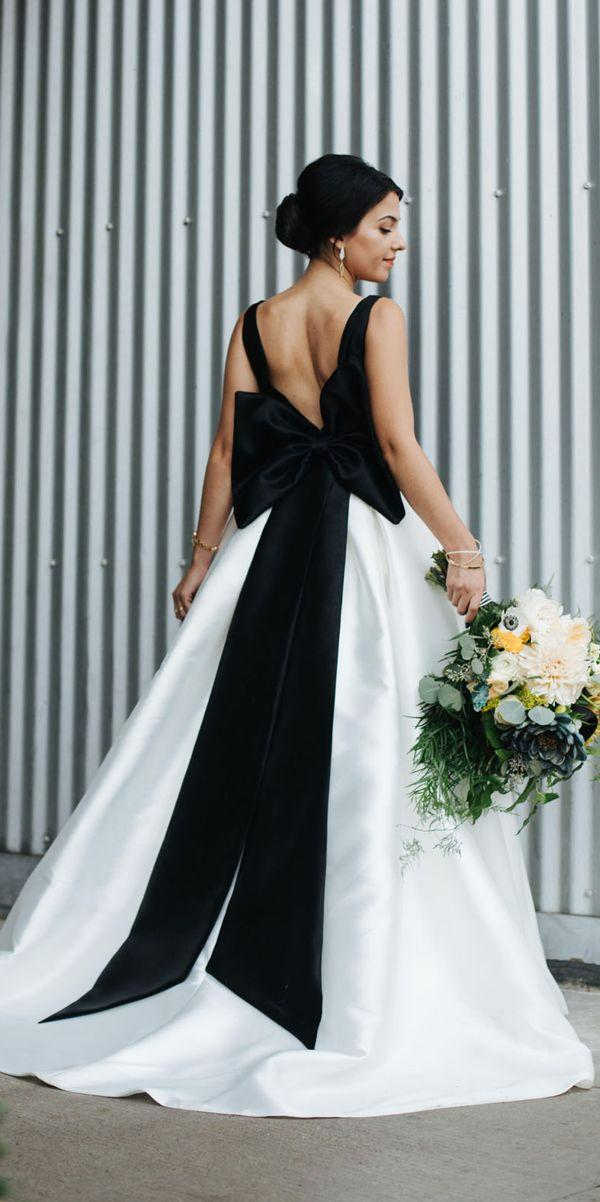 72d224e313 21 Gothic Wedding Dresses  Challenging Traditions  2831127 - Weddbook