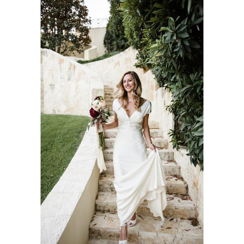 Свадьба - V-Neck Column Spring Ivory Simple Cap Sleeves Court Train Satin Bow Garden Bridal Dress - overpinks.com