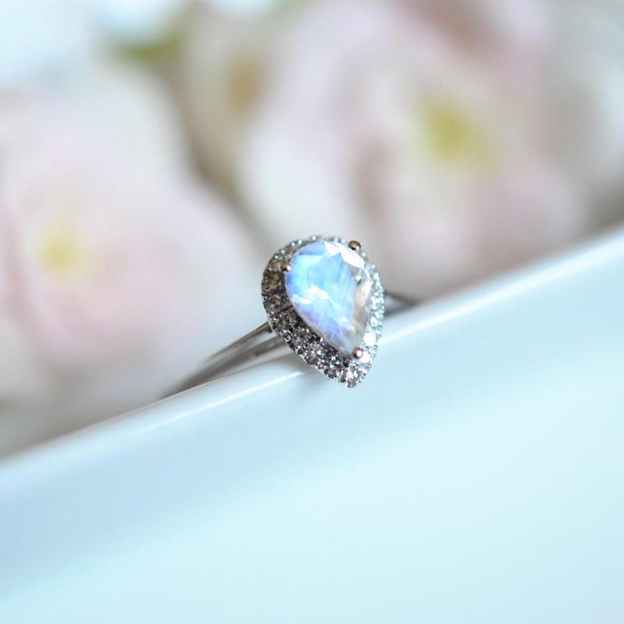 Свадьба - Moonstone Engagement Ring Blue Moonstone Wedding Ring White Gold Platinum Moonstone Engagement Ring Halo Moonstone Ring Vintage Moonstone