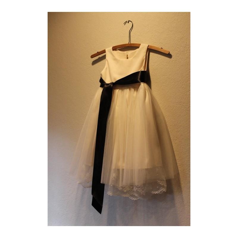 Wedding - Vintage style Flower Girl Dress,  natural Organic cotton flower girl dress, lace flower girl dress, tulle flower girl dress - Hand-made Beautiful Dresses