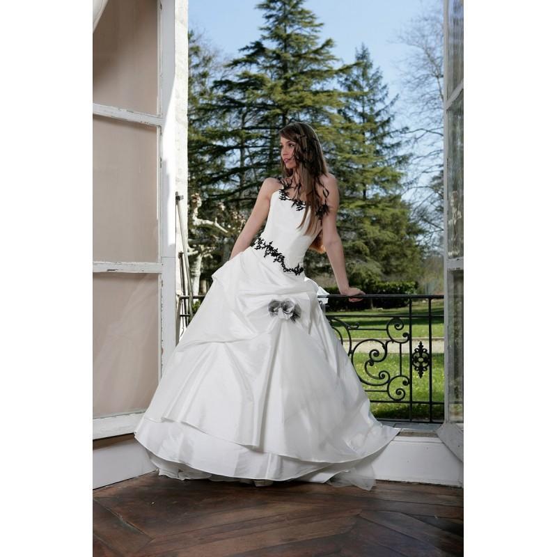 Hochzeit - Primanovia, Caroline noir et blanc - Superbes robes de mariée pas cher