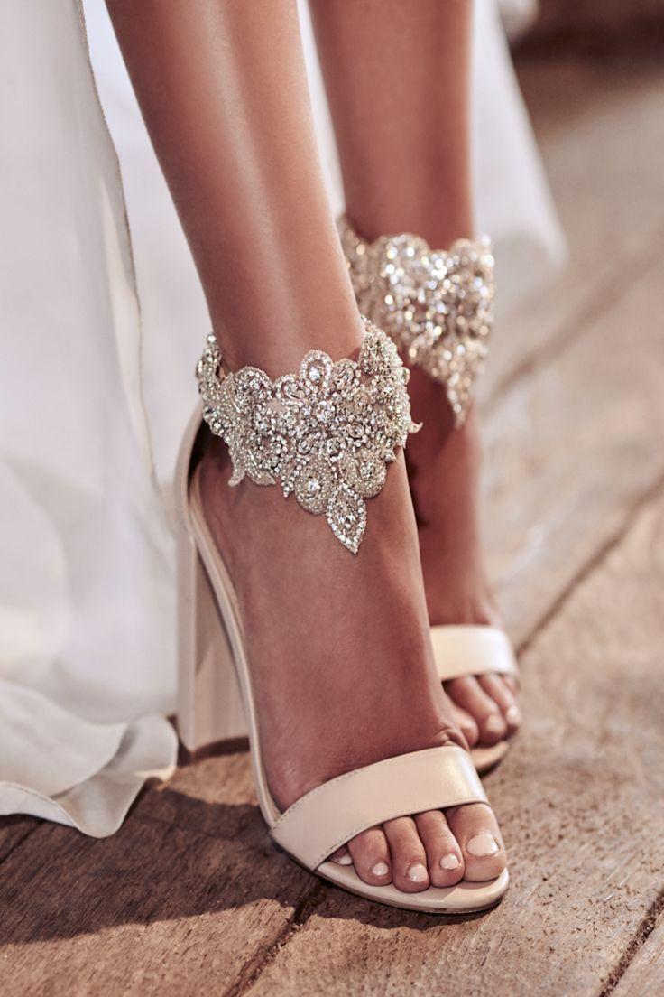 Hochzeit - Blossom Footcuff