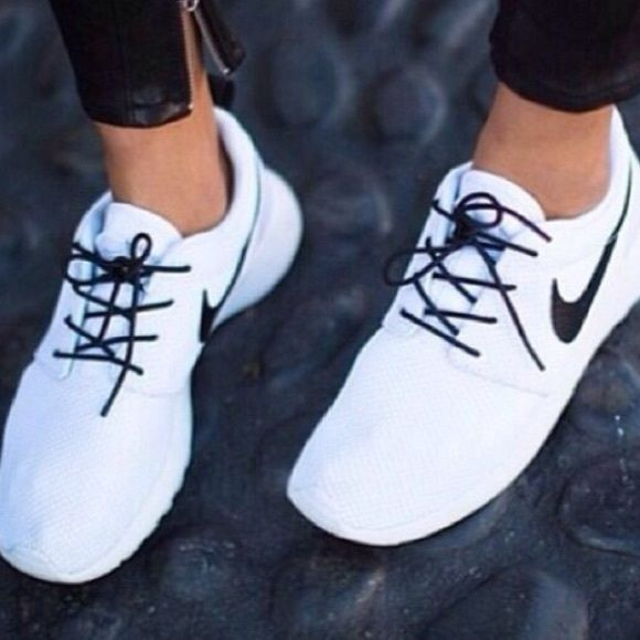 زفاف - ISO White Or Black Roshes