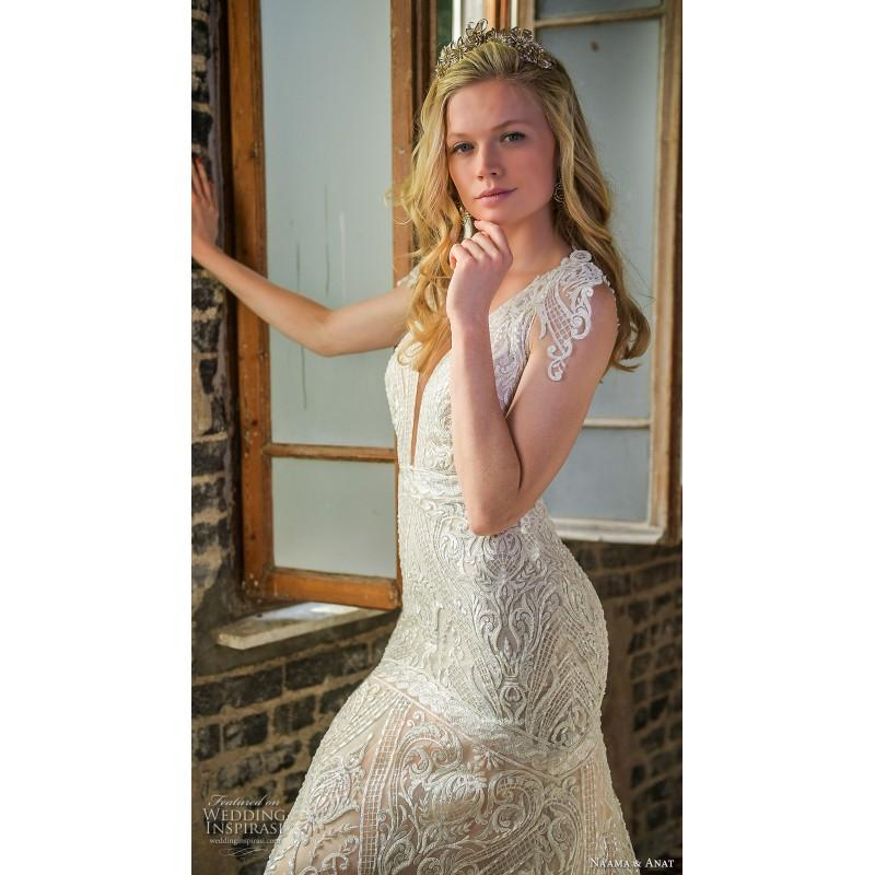 Mariage - Naama & Anat 2017 Aurora Elegant Chapel Train Champagne Deep Plunging V-Neck Trumpet Open Back Lace Embroidery Wedding Gown - Royal Bride Dress from UK - Large Bridalwear Retailer